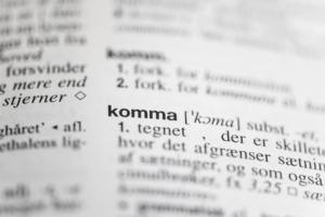 Foto af ordet komma fra Retskrivningsordbogen